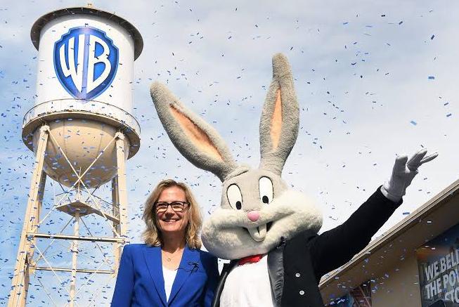Warner Bros'tan özel logo